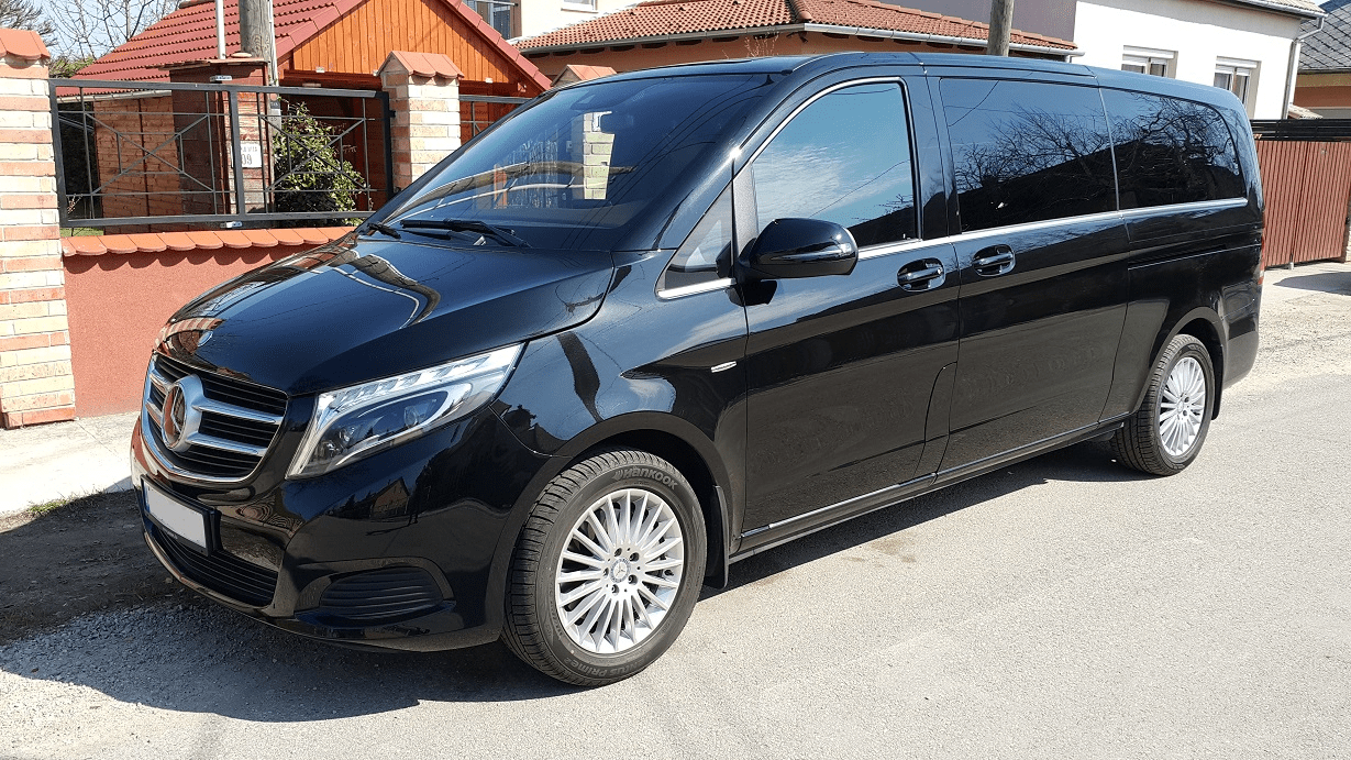 BUDAPEST AIRPORT Pick Up Clean Van Bus